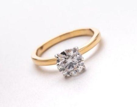 טבעת עם יהלום מאייב תכשיטים חנות תכשיטים